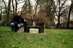 Arlin in Geneva Switzerland at Jean Calvin's Grave